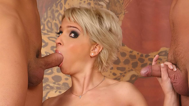popular pay porn site for milf lovers